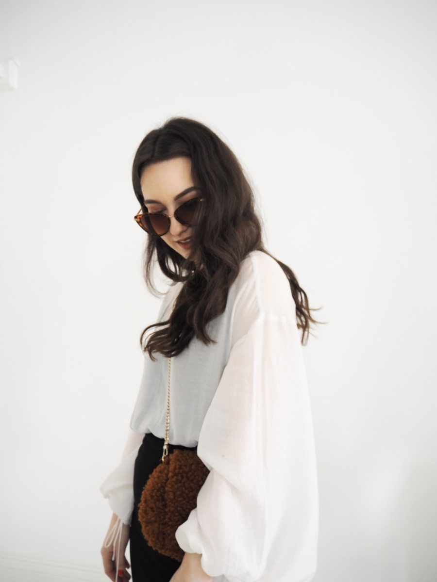how-to-style-white-trainers-style-rarebit-fashion-blog