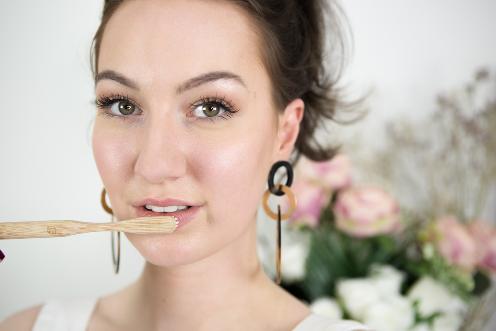 how-to-make-your-lips-look-bigger-with-makeup-style-rarebit-fashion-blog